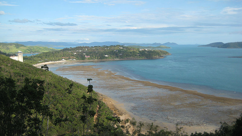 800px-hamilton_island_whitsundays_1_australia